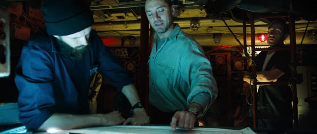 black sea review jude law goes deep movie fanatic