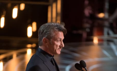 Oscar Presenter Sean Penn
