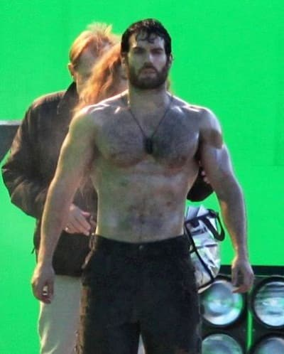 Henry Cavill on Man of Steel Set