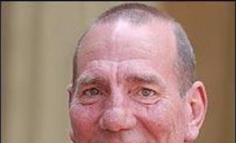 Inception Actor Pete Postlethwaite Dies