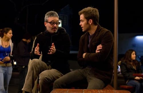 Alex Kurtzman Directs Chris Pine on People Like Us Set