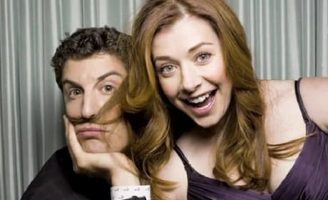 Jason Biggs & Alyson Hannigan Talk American Reunion Revelry