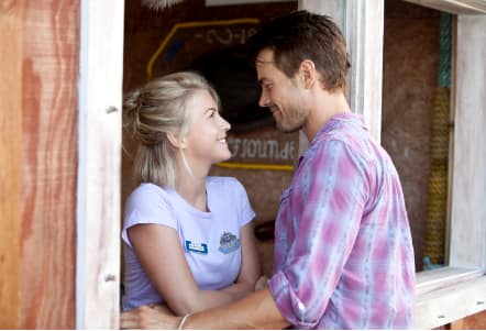Julianne Hough Josh Duhamel Safe Haven