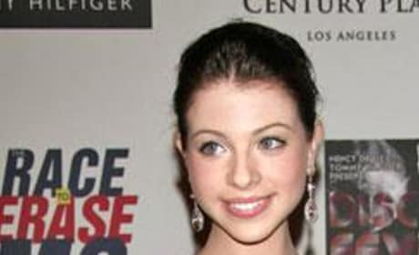 Michelle Trachtenberg Jokes About Seventeen Again