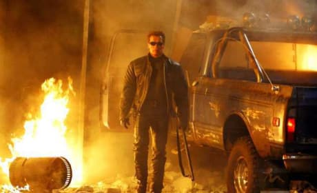Arnold Schwarzenegger Screens Terminator Salvation