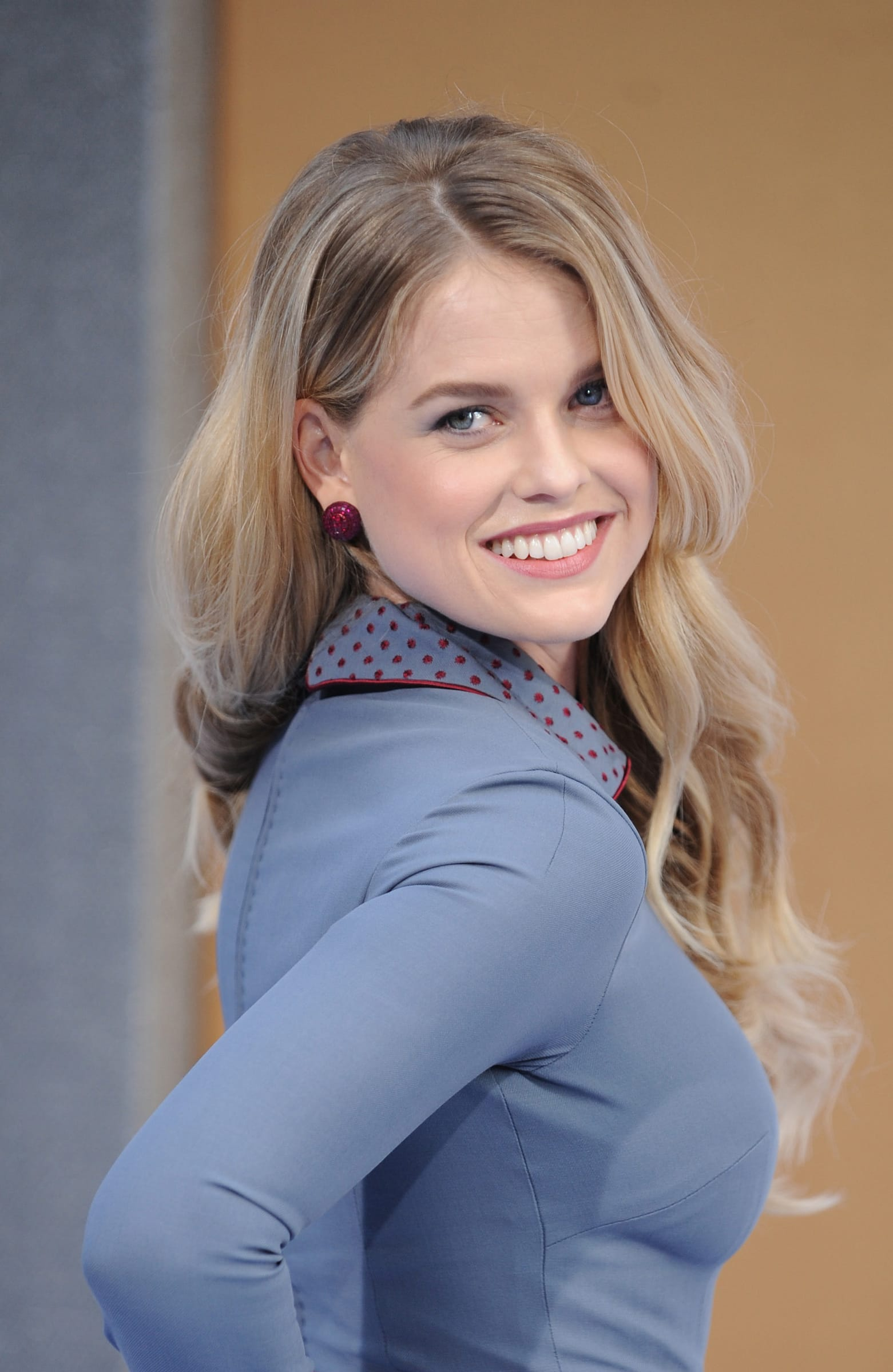 Hot or Not - Page 21 Beautiful-alice-eve