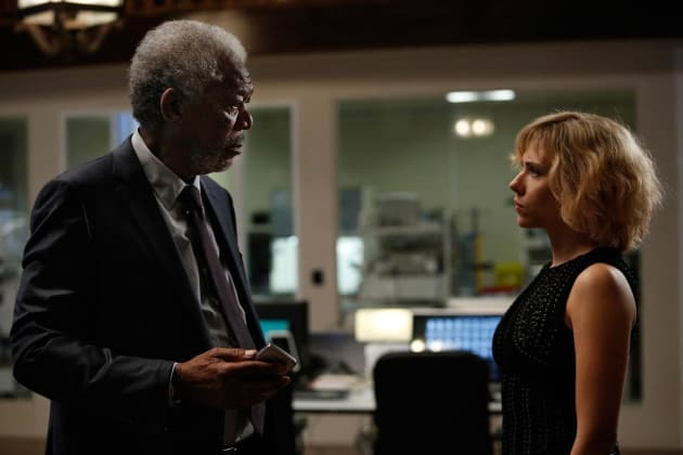Morgan Freeman & Scarlett Johansson