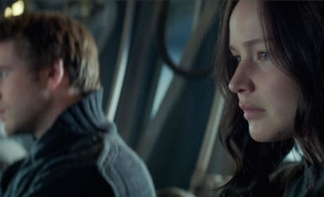 Mockingjay Part 1 Liam Hemsworth Jennifer Lawrence