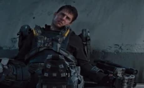 Edge of Tomorrow Featurette: Tom Cruise Learns to Fight
