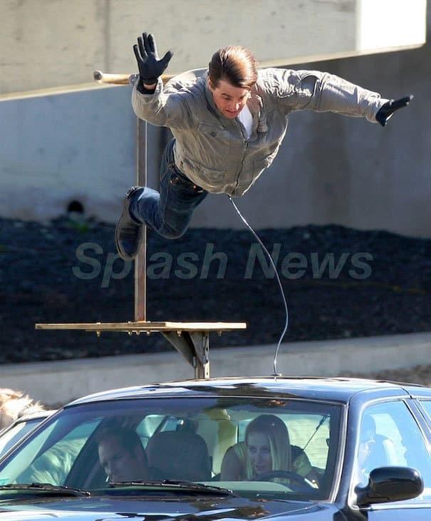 Tom Cruise Flies