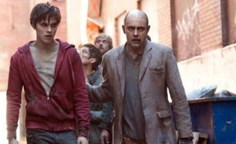 Rob Corddry and Nicholas Hoult in Warm Bodies