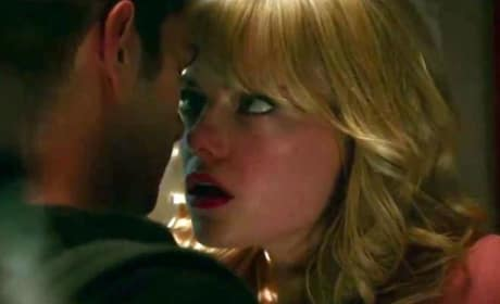 The Amazing Spider-Man 2 Debuts 2 Clips: Gwen Stacy Is in Trouble