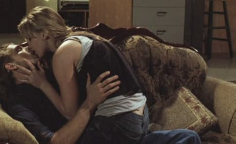 House at the End of the Street Stills: Jennifer Lawrence and Max Thieriot's Romance