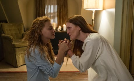 Julianne Moore and Chloe Moretz Carrie