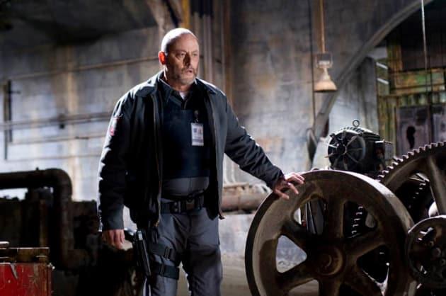 Jean Reno as Quinn