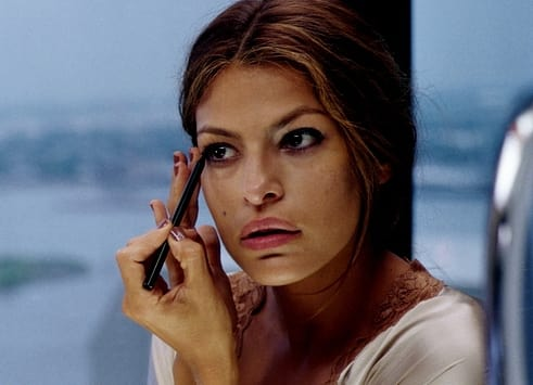 Eva Mendes as Frankie Donnenfeld