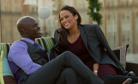 Baggage Claim Review: Paula Patton Flies the Friendly Skies