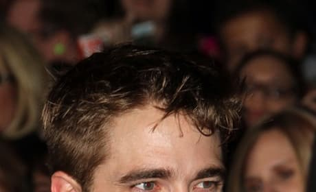 Robert Pattinson at the Breaking Dawn Premiere