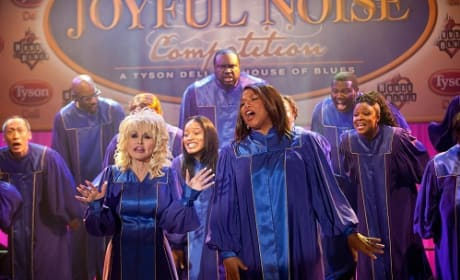 Dolly Parton and Queen Latifah in Joyful Noise