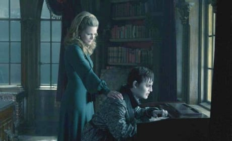 Michelle Pfeiffer and Johnny Depp in Dark Shadows
