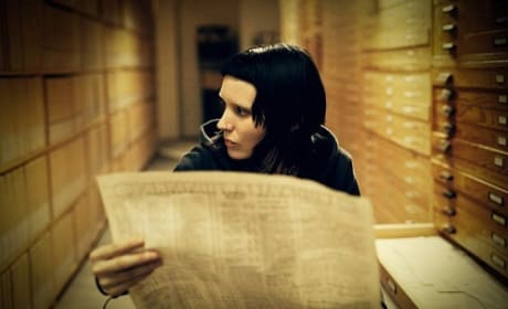 Rooney Mara Investigates in The Girl with the Dragon Tattoo