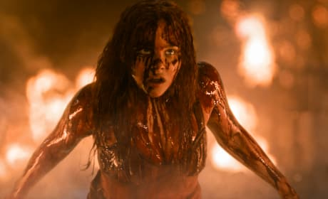 "Carrie: Chloe Moretz Dishes ""Iconic"" Bloody Prom Scene"
