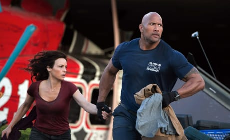 San Andreas Photos: Dwayne Johnson Shakes, Rattles & Rolls!