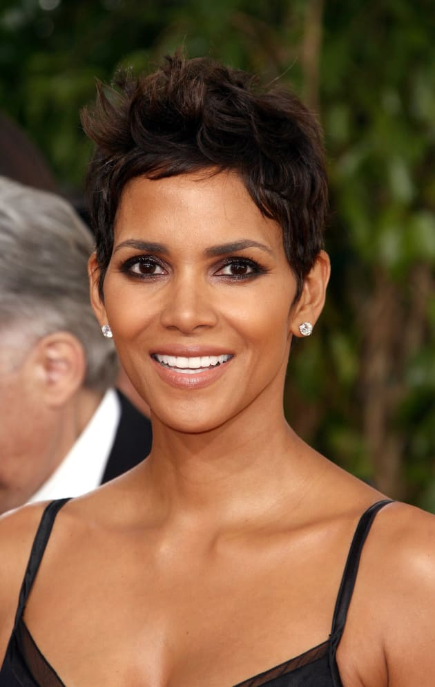 Halle Berry Could Play A Milf In The Student Movie Fanatic