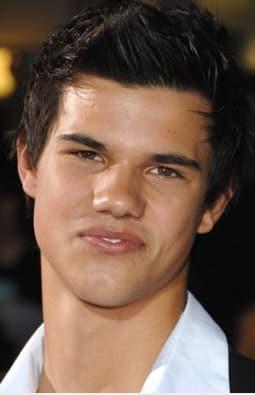 Taylor Lautner Photo