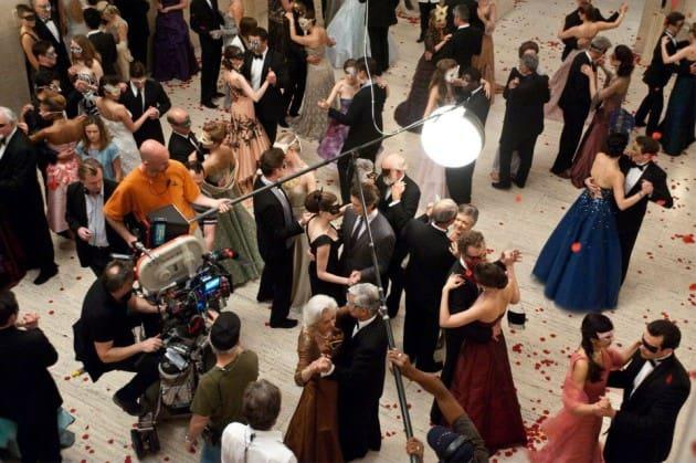 The Dark Knight Rises Christian Bale Anne Hathaway Set Photo