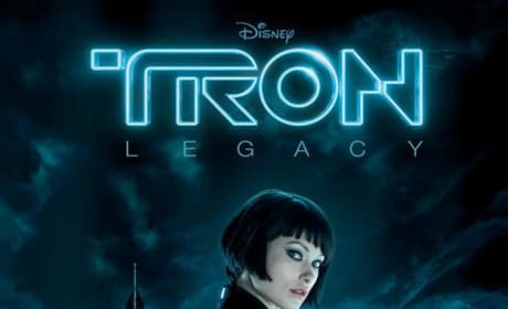 Get a Good Look at Olivia Wilde on a New Tron Legacy Banner!