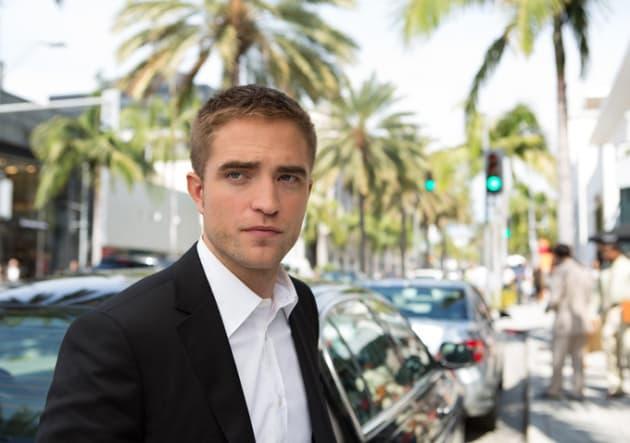 Robert Pattinson Goes Hollywood