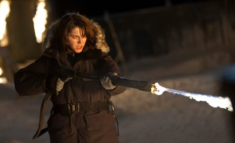 First Look at Mary Elizabeth Winstead in The Thing!