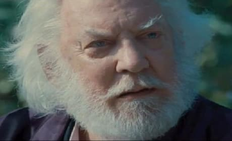 Hunger Games Clip: President Snow & Seneca Talk Hope