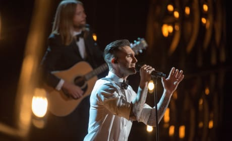 Oscars Adam Levine Performs