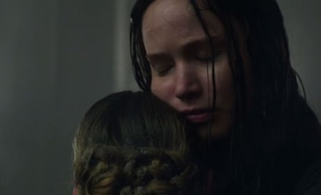 Mockingjay Part 1 TV Trailer: They're Coming, Katniss!