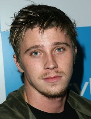 Garrett Hedlund Photo