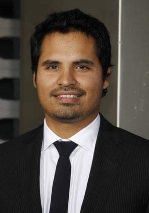 Michael Peña Picture