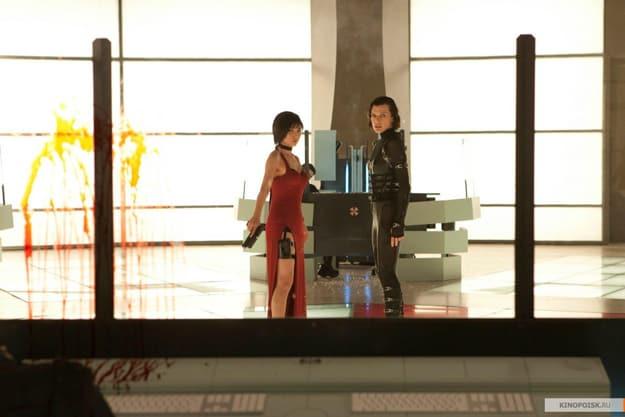 Milla Jovovich and Li Bingbing Resident Evil: Retribution