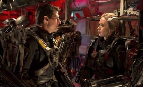 Edge of Tomorrow Stars Emily Blunt Tom Cruise