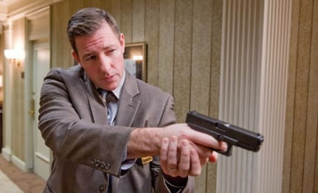 Man on a Ledge Exclusive: Ed Burns Takes Us Inside Filmmaking