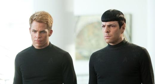 Chris Pine Zachary Quinto in Star Trek Into Darkness
