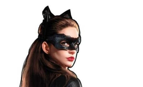 Anne Hathaway is Catwoman in New Dark Knight Rises Photo