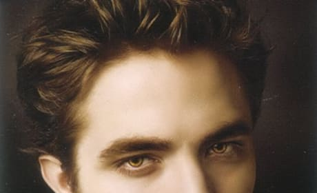 Robert Pattinson and Kristen Stewart Featured on Latest New Moon Posters