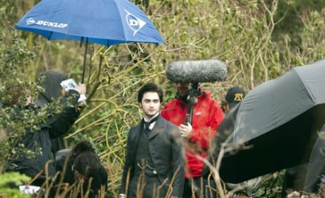 Daniel Radcliffe on the Woman in Black Set