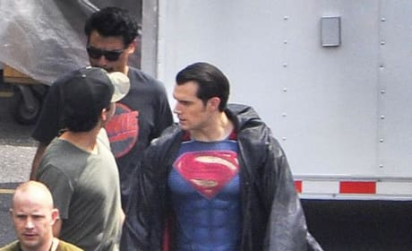 Henry Cavill Superman v Batman: Dawn of Justice Set Photo