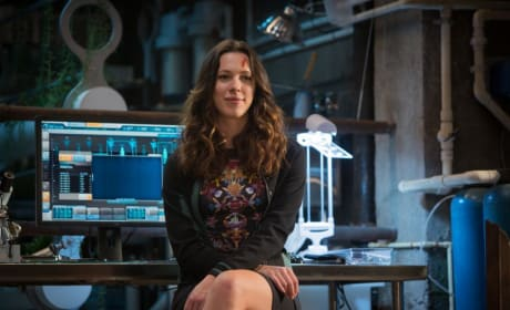 Iron Man 3 Gets a New Still: Rebecca Hall's Scar