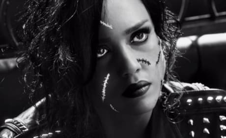 Sin City A Dame to Kill For Clip: Jessica Alba Goes Crazy