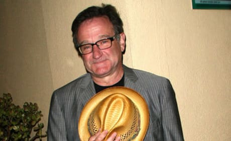 Robin Williams Dead at 63: Appears a Suicide