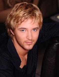 Michael Welch Picture